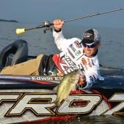 pro_bass_fisherman_use_cushit